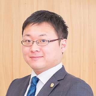 鶴山 昂介弁護士